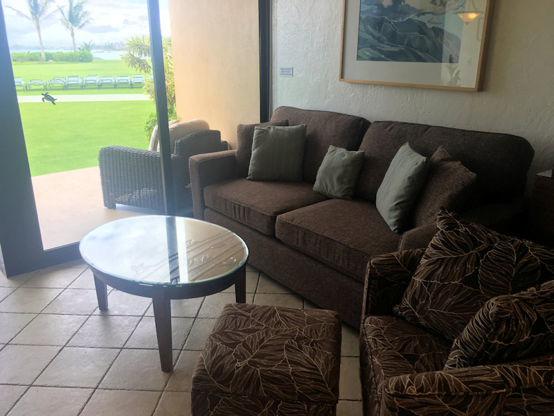 Sofa with a view of Kihei grounds